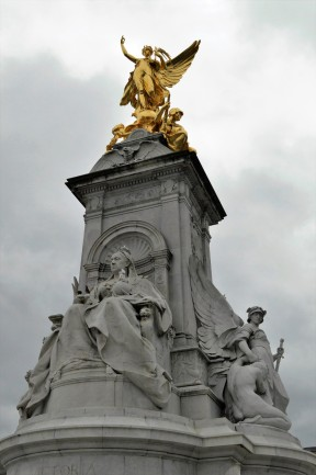 The Victoria Monument outside Buckingham Palace